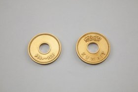 Mesrop, Fils, 2012, gold 18k. Courtesy of MinRASY PROJECTS and Museum of Modern Art, Kuwait.