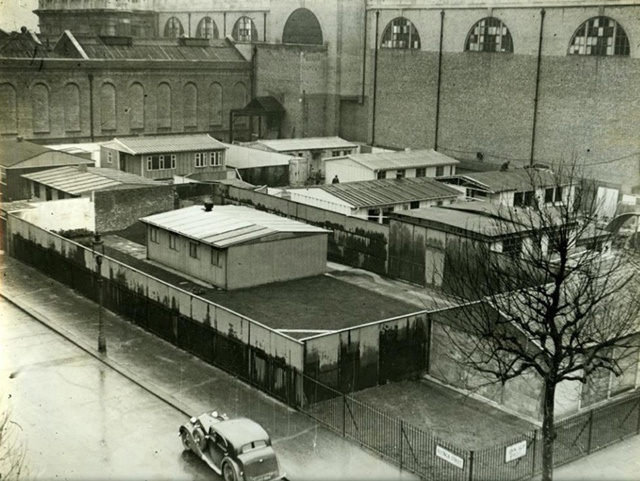 Tate Gallery Exhibits Prefabricated Housing 1944.