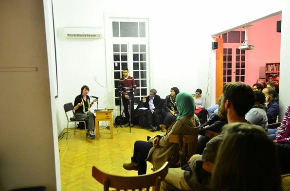 <p>Battle of Images</p><p>Leah Gordon and audience</p><p>Image courtesy of Shuruq Harb</p>
