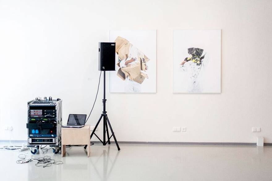 Carrefour/Treffpunkt (Meeting Point), 2015. Installation view at ifa Gallery, Berlin.