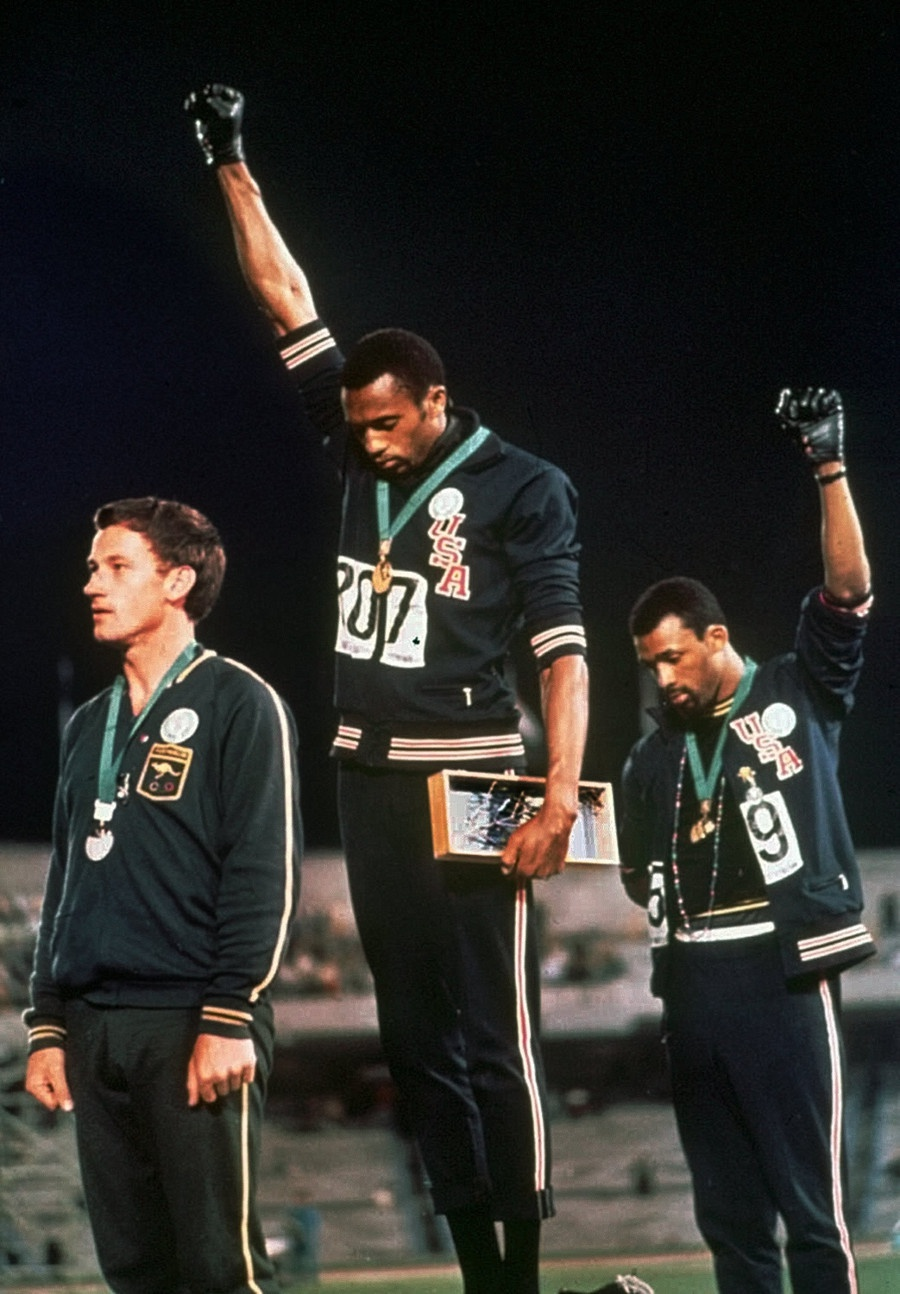 sous les pav eacute s la plage  winners podium for the 200m race at the 1968 olympics tommie smith and john carlos give the black power salute